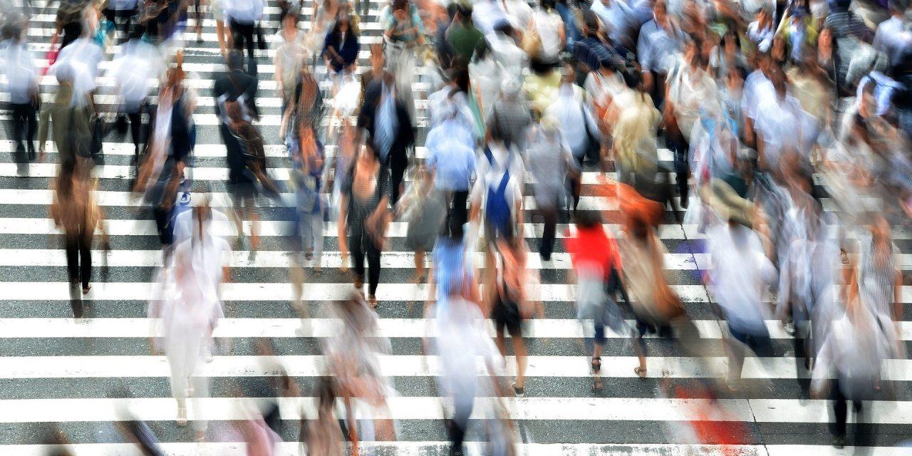 Modernlik, insanı merkeze mi alıyor yoksa insana karşı mı?